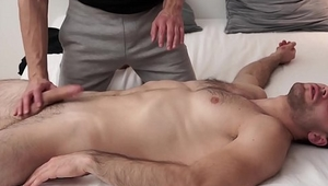 Athletic and ripped Sam Cuthan got an amazing handjob