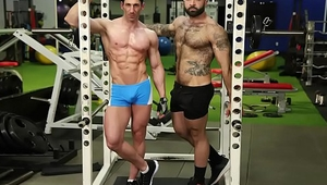 GAYWIRE - Atlas Grant Fucks Sir Jet At The Gym And It'_s Spectacular