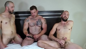2 twinks and 1 bear