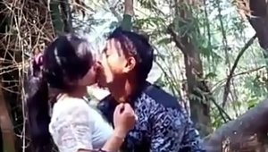 Me and My girlfriend forest area kissing