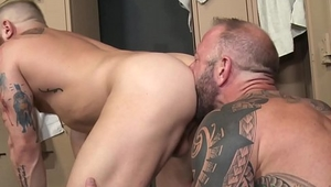 Huge Cocked Older Gym Man Fucks A Bearded One - Vic Rocco, Riley Mitchell